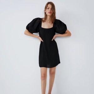 NWOT Zara Puff Sleeve Pleated Dress